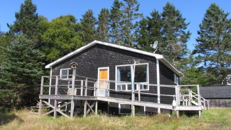 Year Round Waterfront 2 Bedroom Home, Adjoining 1.18 Acre Waterfront! 26 Privateer Ln., Chance Harbour
