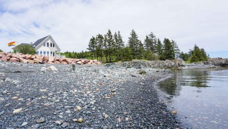 On the Shores of East Coast Living! 133 Greens Point Rd., L'Etete