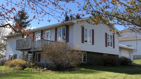Island View Heights with Bay of Fundy Views! 610 Ridge Row, Saint John